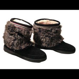 Minnetonka black lined faux fur bootie size 9